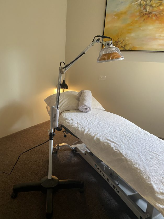 infrared therapy lamp treatment